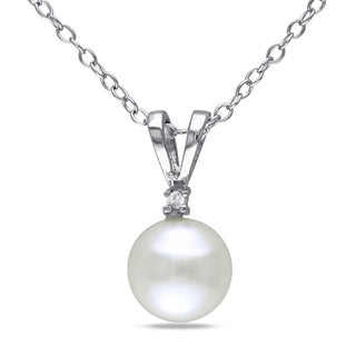 Miadora Sterling Silver Freshwater Pearl and 1/10ct TDW Diamond Necklace (7-8 mm)
