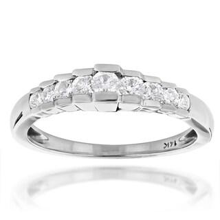 Luxurman 14k Gold 1/2ct TDW Diamond Wedding Band (More options available)