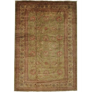 Hand-knotted Wool Oriental Green Rectangle Rug (12'5 x 18')