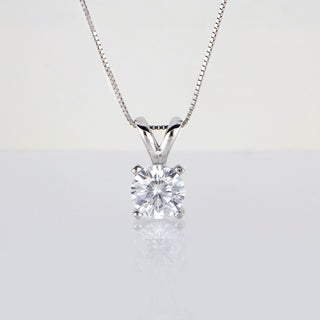 De Couer 14k White Gold Diamond Magnificent Solitaire Necklace