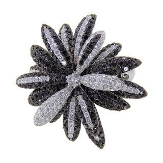 14k White Gold 4 1/2ct TDW White and Black Diamond Flower Ring