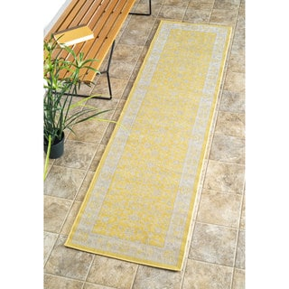 nuLOOM Traditional Modern Indoor/ Outdoor Yellow Porch Runner Rug (2' x 7'6)