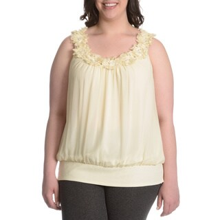 Adiva Women's Plus Size Fabric Flower Top