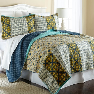 Taurus 100-percent Cotton 3-piece Reversible Quilt Set
