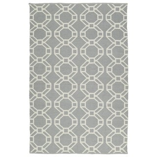 Indoor/Outdoor Laguna Grey and Ivory Geo Flat-Weave Rug (5'0 x 7'6) - 5' x 7'6""