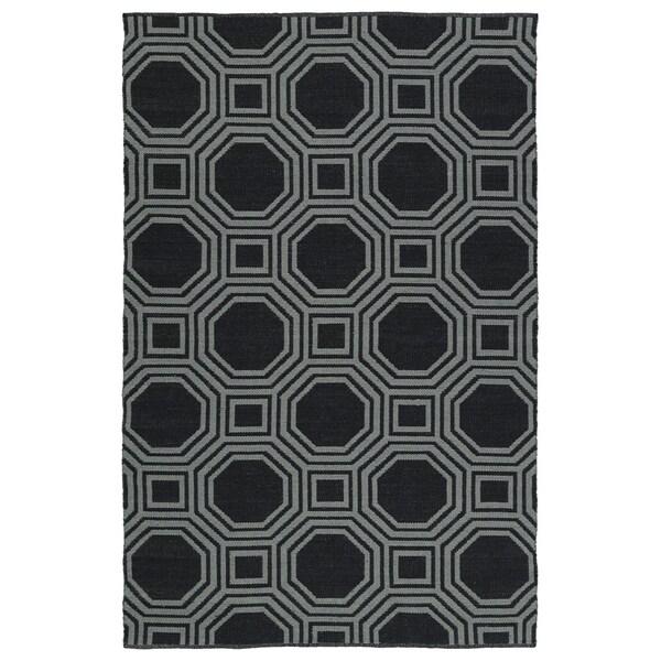 Indoor/Outdoor Laguna Black and Grey Geo Flat-Weave Rug - 8' x 10'