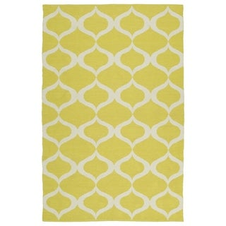 "Indoor/Outdoor Laguna Yellow and Ivory Geo Flat-Weave Rug (5' x 7'6"")"