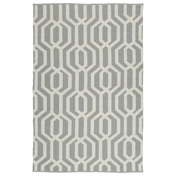 "Indoor/Outdoor Laguna Grey and Ivory Geo Flat-Weave Rug (5'0 x 7'6) - 5' x 7'6"""