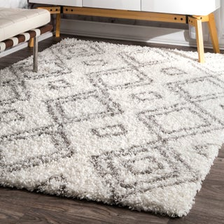 "Palm Canyon Yorba Moroccan Trellis White and Grey Shag Rug (7' 10"" x 10') - 7' 10"" x 10' (Option: White)"