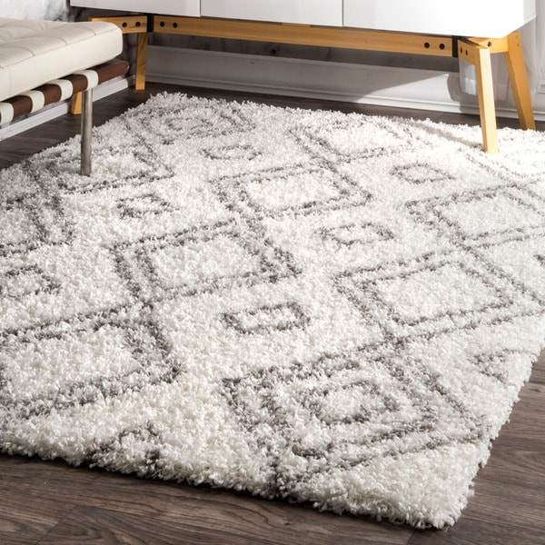 Popular Palm Canyon Yorba Moroccan Trellis White and Grey Shag Rug (7' 10  UX75