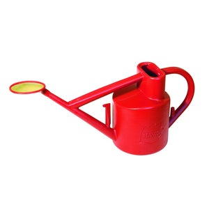 English Garden Haws Practican 1.6 gallon Outdoor Plastic Watering Can (Option: Red)