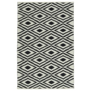 Indoor/Outdoor Laguna Ivory and Black Ikat Flat-Weave Rug (2' x 3')