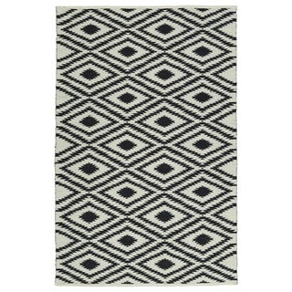 Indoor/Outdoor Laguna Ivory and Black Ikat Flat-Weave Rug (3' x 5')