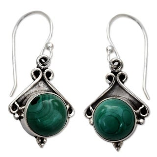 Handcrafted Sterling Silver 'Forest Charm' Malachite Earrings (India)