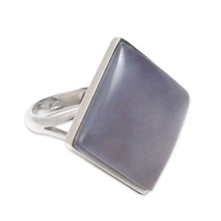 Handcrafted Silver 'Indigo Diamond' Chalcedony Ring (Peru)
