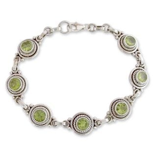 Sterling Silver 'Green Mystique' Peridot Bracelet (India)