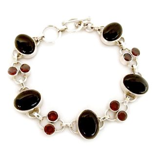 Handmade Sterling Silver 'Festive Night' Onyx Garnet Bracelet (India)