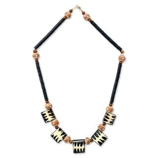 Handcrafted Bone Ceramic 'Amaria' Necklace (Ghana)