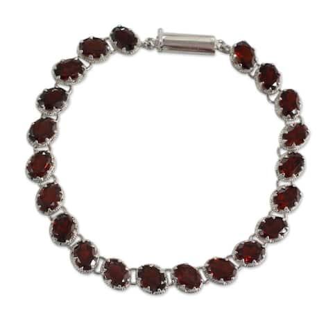Handmade Sterling Silver Scarlet Radiance Garnet Bracelet (India)