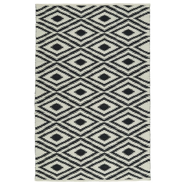Indoor/Outdoor Laguna Ivory and Black Ikat Flat-Weave Rug - 9' x 12'