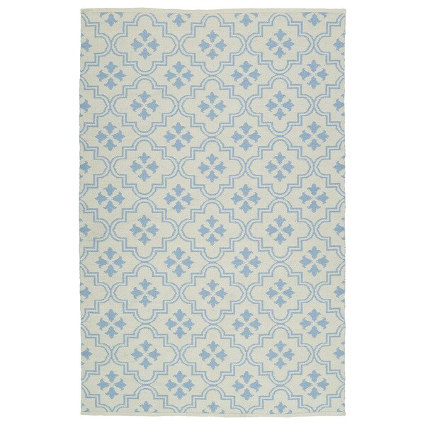 Indoor/Outdoor Laguna Ivory and Light Blue Tiles Flat-Weave Rug (2'0 x 3'0) - 2' x 3'