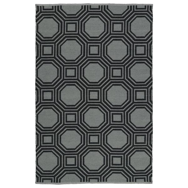 Indoor/Outdoor Laguna Grey and Black Geo Flat-Weave Rug - 8' x 10'
