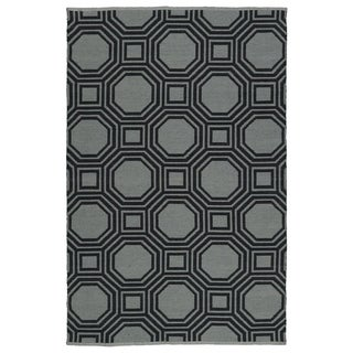 Indoor/Outdoor Laguna Grey and Black Geo Flat-Weave Rug (8'0 x 10'0)