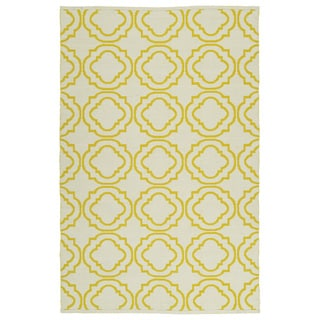 Indoor/Outdoor Laguna Ivory and Yellow Geo Flat-Weave Rug (5'0 x 7'6) - 5' x 7'6""