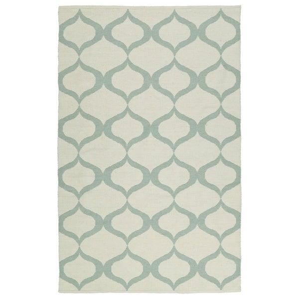Indoor/Outdoor Laguna Ivory and Mint Geo Flat-Weave Rug - 8' x 10'
