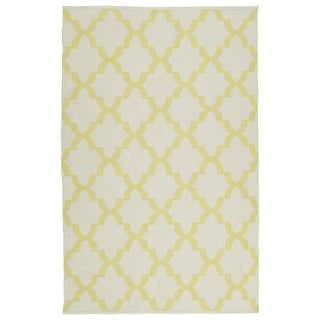 Indoor/Outdoor Laguna Ivory and Yellow Trellis Flat-Weave Rug (5' x 7'6)