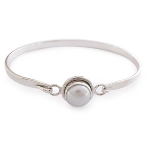 Handmade Sterling Silver Aesthetic Moon Pearl Bangle Style Bracelet (10 mm) (India)