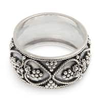 Handcrafted Sterling Silver 'Hearts Entwined' Ring (Indonesia)