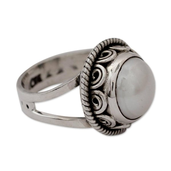 Handmade Sterling Silver Perfect Love Freshwater White Pearl Cocktail Ring (India)