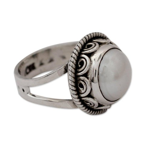 Handmade Sterling Silver Perfect Love Freshwater Pearl Cocktail-Cluster Style Ring (11 mm) (India)