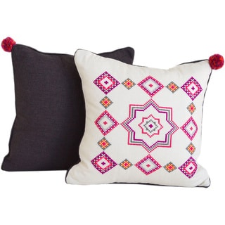 Etoile Hand-embroidered 16-inch Decorative Pillow (Mexico)