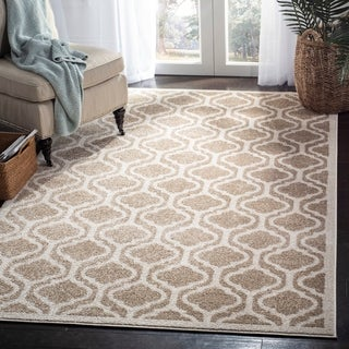 Safavieh Indoor/ Outdoor Amherst Wheat/ Beige Rug (5' x 8')