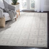 Safavieh Indoor/ Outdoor Amherst Ivory/ Light Grey Rug (5' x 8') - 5' x 8'