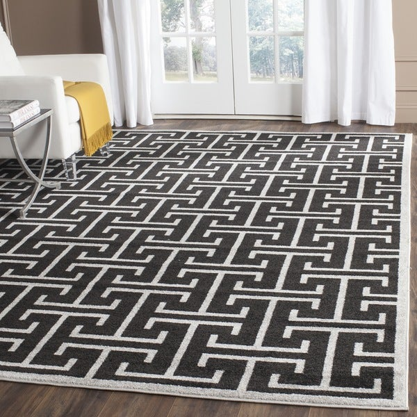 Safavieh Indoor/ Outdoor Amherst Anthracite/ Light Grey Rug (8' x 10')