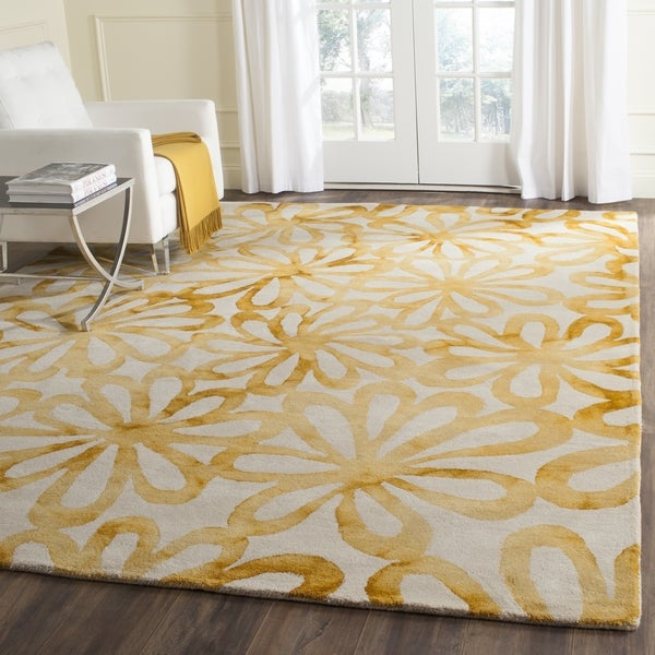 Safavieh Handmade Dip Dye Watercolor Vintage Beige/ Gold Wool Rug (7' Square)