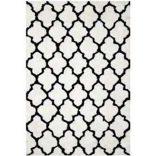 Safavieh Handmade Barcelona Shag White/ Black Trellis Polyester Rug (5' x 8')