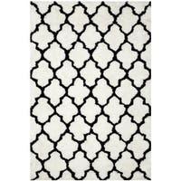 Safavieh Handmade Barcelona Shag White/ Black Trellis Polyester Rug - 5' x 8'