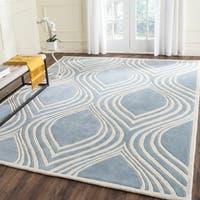 Safavieh Handmade Chatham Blue/ Ivory Wool Rug - 5' x 8'