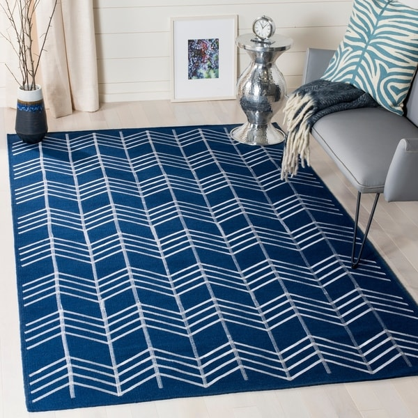 Shop Safavieh Hand-Woven Kilim Navy Wool Rug