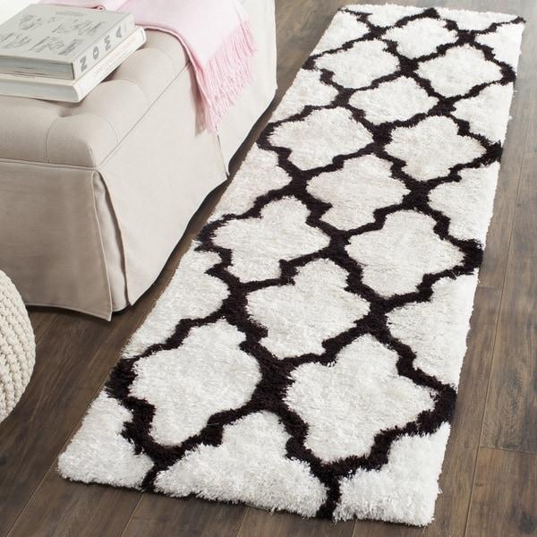 Safavieh Handmade Barcelona Shag White/ Black Trellis Polyester Rug (2'3 x 7')
