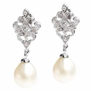 Queenberry Sterling Silver Flower Cubic Zirconia/ White Fresh Water Pearl Bridal Dangle Earrings