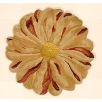 Handmade Zinia Flower Hand-tufted Shaped Area Rug (India)
