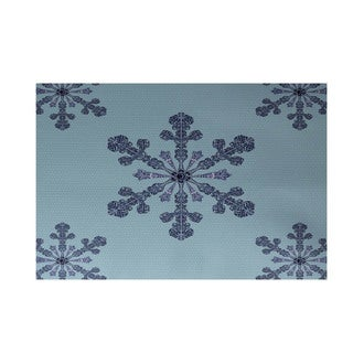 Holiday Multi Snowflake Decorative Area Rug (3' x 5')