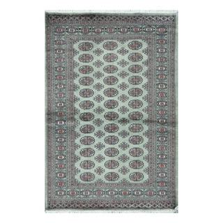 Herat Oriental Pakistani Hand-knotted Bokhara Green/ Ivory Wool Rug (4'1 x 6')