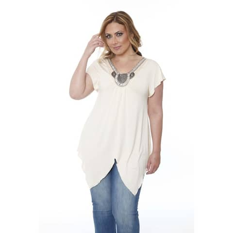 White Mark Women's Plus-size 'Fenella' Glimmering Embellished Neck Top
