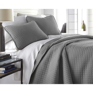 Oversized Solid 3-piece Quilt Set by Southshore Fine Linens (More options available)
